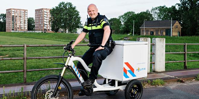 Primeur in Arnhem – de politiebakfiets van wijkagent Bas
